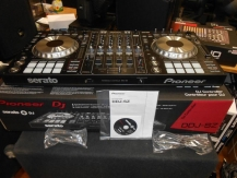 2x Pioneer CDJ-2000NXS2 + 1x DJM-900NXS2 mixer = 1799 EUR ,