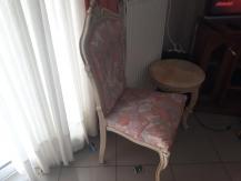 Louis Kenz, καρέκλες τραπέζι όνυχα