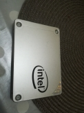 Intel SSD 540s Series 120 GB και ενας Seagate 250GB